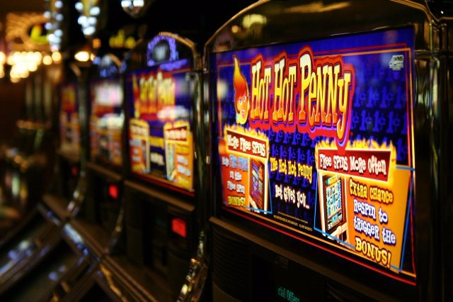 Автомат lucky haunter в казино Вулкан