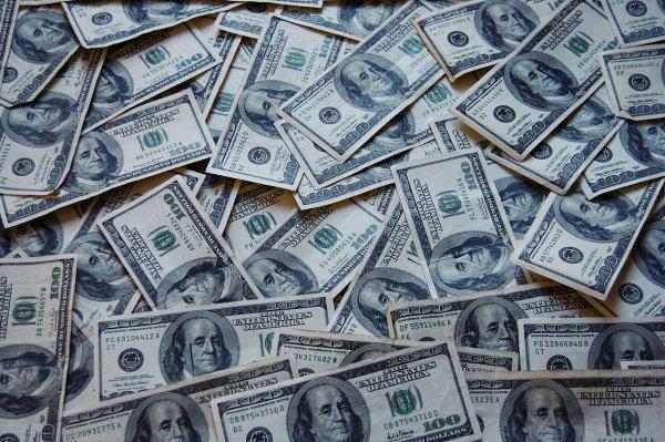 Во Владивостоке средняя зарплата населения поднялась на 12,1%