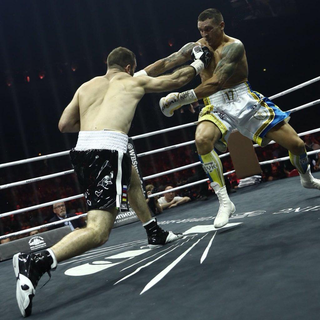 Усик стал абсолютным чемпионом мира после победы над россиянином Гассиевым