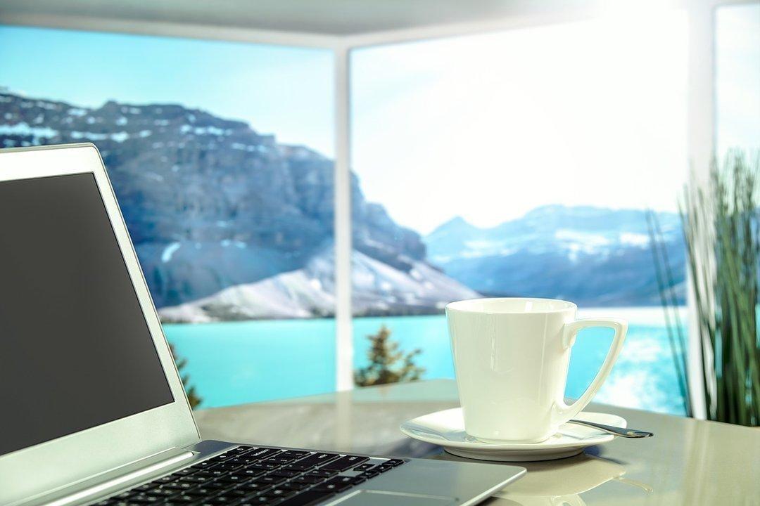Отношения на расстоянии: как жить, когда твой руководитель работает удаленно