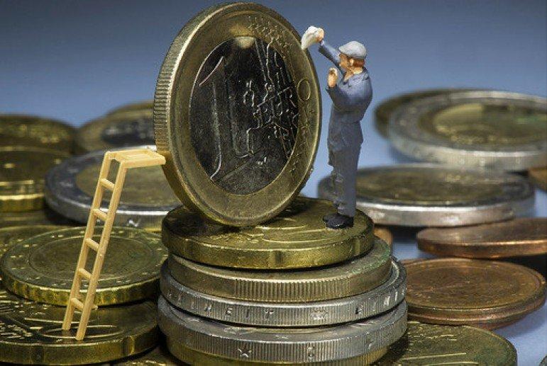 Сколько зарабатывают и на что тратят европейцы