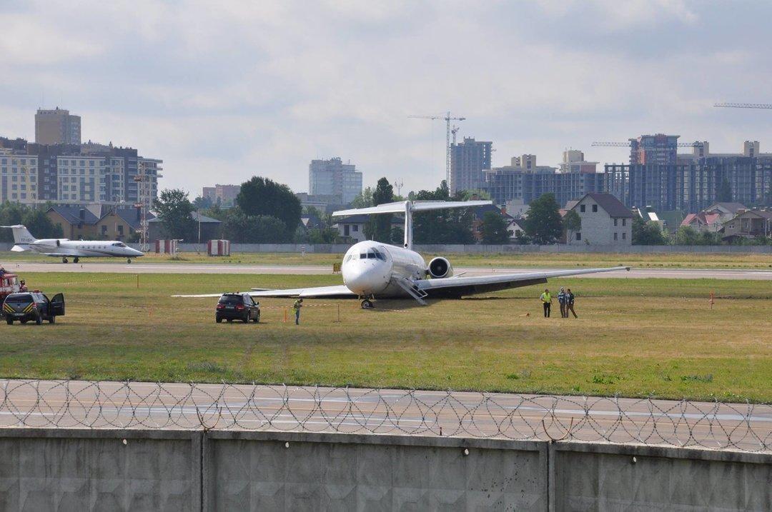 В аэропорту Киев уверяют, что не предотвратили аварию с самолетом Bravo из-за обысков НАБУ