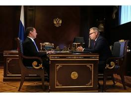 Рабочая встреча премьер-министра РФ Дмитрия Медведева и главы «ФСК ЕЭС» Андрея Мурова