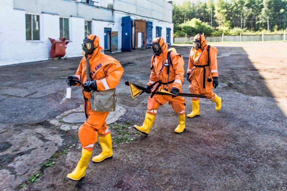 Изолирующий костюм открытого типа для опасных работ