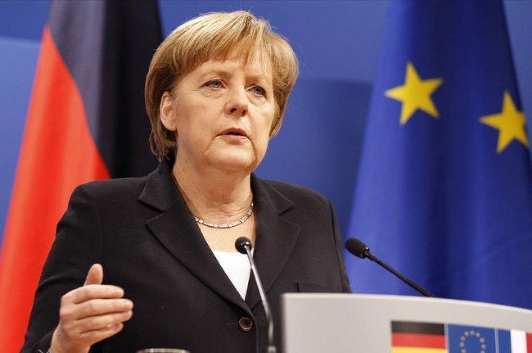 Ангела Меркель приедет в Украину в ноябре — Порошенко