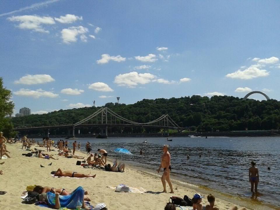 В Минздраве рассказали, на каких пляжах нельзя купаться