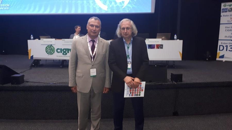 Александр Славинский (слева) и Председатель ИК D1 СИГРЭ Ральф Питч (Ralf Pietsch) на 47-ой Сессии СИГРЭ
