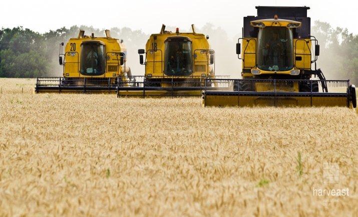 Компания Ахметова под Мариуполем открыла линию для обработки семян за $2 млн