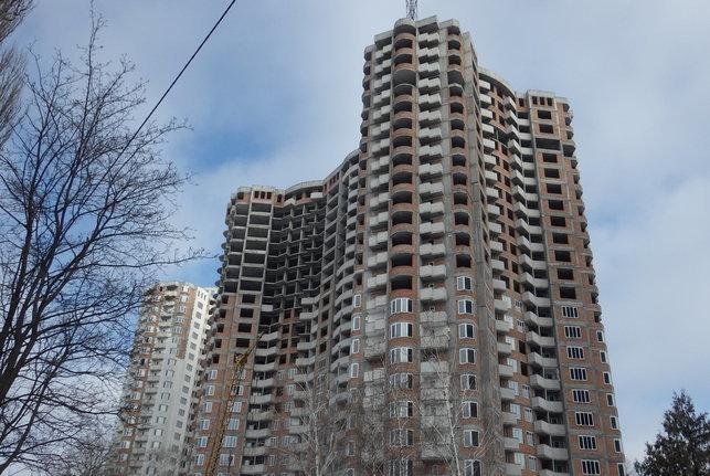 """КГГА """"разморозила"""" скандальное строительство на Борщаговке в Киеве"""