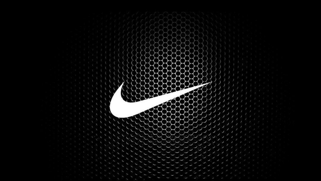 Nike требует уничтожить 1,5 тыс. пар контрафактных кроссовок в Украине