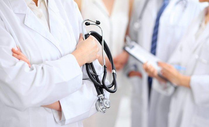 Без главврача: медучреждениями будут руководить гендиректор и медицинский директор