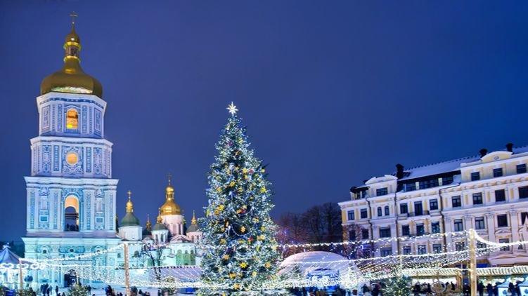 В центре Киева ограничат движение транспорта в связи с подготовкой к новогодним праздникам