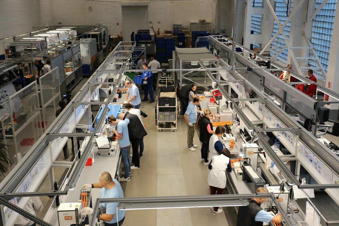 В Хмельницком уже работает завод по производству кабеля для Volkswagen