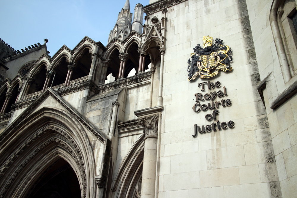Высокий суд Лондона отказался рассматривать иск ПриватБанка к Коломойскому
