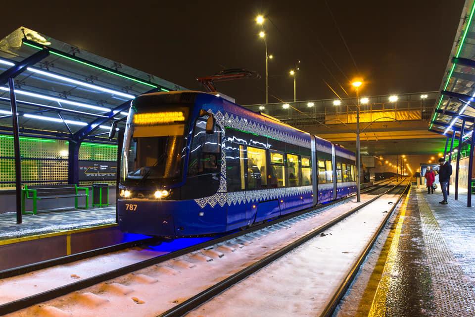 Ремонт линии скоростного трамвая в Киеве продлили до 18 декабря