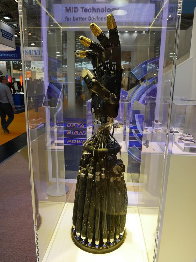 Роботизированный манипулятор является практической реализацией множества возможностей, предлагаемых технологией 3D-MID